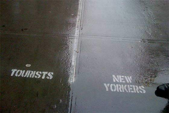 Tourists-new-yorkers-sidewalk-chalk-labels