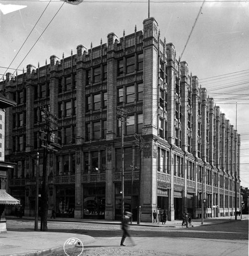 299_Queen_Street_West_in_1919